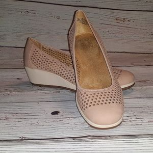 Naturalizer Betina Leather Wedges Size: 6.5M